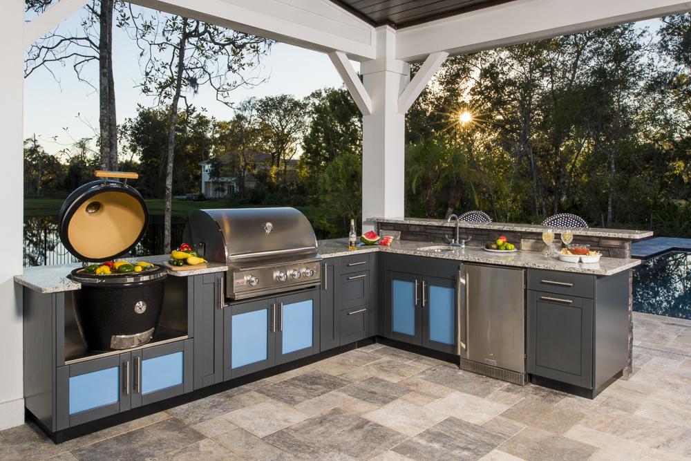 L-Shaped Outdoor Kitchen Design Inspiration